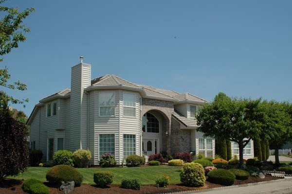 Cedar Ridge Siding | Hometown Exterior Designs - Portland, OR & Vancouver, WA